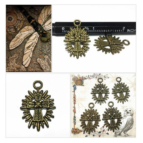Cross Medallion Charms - Antiqued Brass Cross - Cross Medallion Pendants - Religious pendant -  Jewelry Supplies #etsyspecialt #integritytt #SpecialTGIF #Specialtoo  #TMTinsta       @Flow_Rts @ArmoryRTs @Relay_RTs #etsy #PromoteEtsy #PictureVideo @SharePicVideo