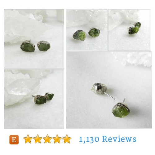 peridot earrings, raw gemstone, raw #etsy @eftelya_hulya  #etsy #PromoteEtsy #PictureVideo @SharePicVideo