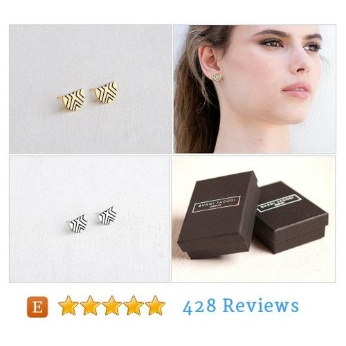 stud earrings, ingraved gold or siver stud #etsy @shanijacobi  #etsy #PromoteEtsy #PictureVideo @SharePicVideo