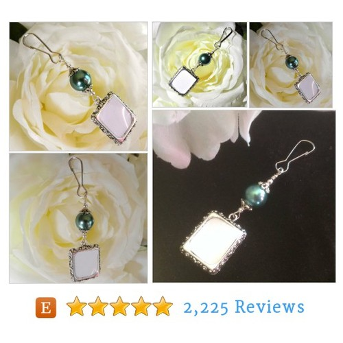 Wedding bouquet photo charm - green pearl. #etsy @iamweddings  #etsy #PromoteEtsy #PictureVideo @SharePicVideo