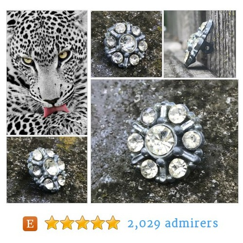 Rhinestone Buttons Vintage Rhinestone Buttons  Large Faceted Glass Rhinestones Champagne Rhinestones 1940 Button Jewelry Supplies  #etsyspecialt #integritytt #SpecialTGIF #Specialtoo  #TMTinsta      @Demented_RTs  @etsypro  @FameRTR #etsy #PromoteEtsy #PictureVideo @SharePicVideo
