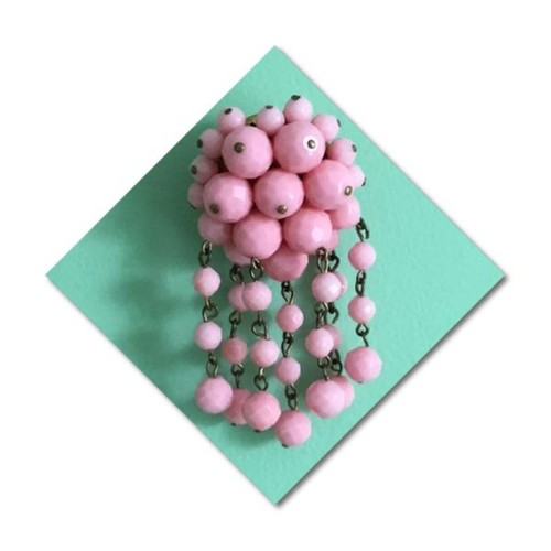 Old fashioned pink plastic cascade faceted bead vintage brooch #socialselling #PromoteStore #PictureVideo @SharePicVideo
