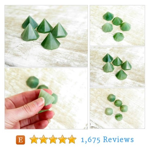 Green Aventurine Octagon Pyramids #home #etsy @newagegirl88  #etsy #PromoteEtsy #PictureVideo @SharePicVideo