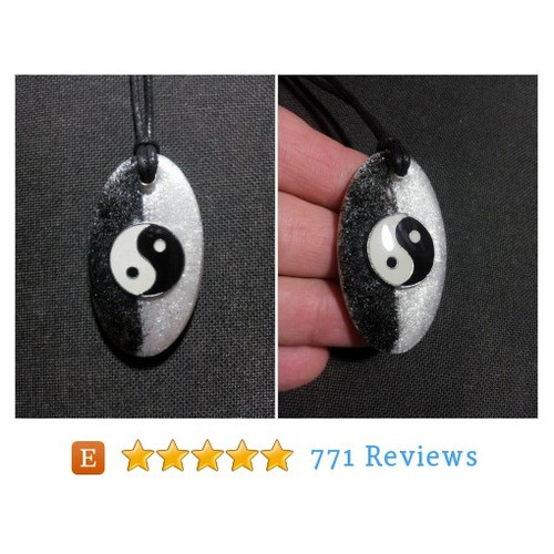 Yin Yang Pendant encased in sparkly clear #etsy @lisacherie2  #etsy #PromoteEtsy #PictureVideo @SharePicVideo