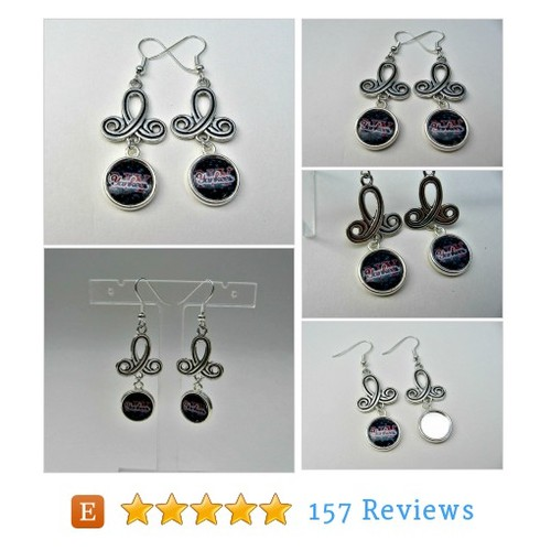 New York Yankees Dangle Baseball Earrings, #etsy @fanwearjewelry  #etsy #PromoteEtsy #PictureVideo @SharePicVideo