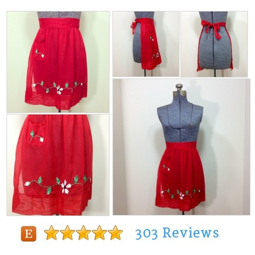 Vintage 50s Red Holiday Christmas Apron #etsy @beatificvintage  #etsy #PromoteEtsy #PictureVideo @SharePicVideo